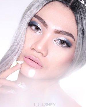 Jadi ceritanya aku mau bikin Cinderella makeup look , tapi entah kenapa malah jadi lebih mirip Princess Elsa ..😅 . . . . . @beautybloggerindonesia @indobeautysquad @bloggirls.id @setterspace @tampilcantik @bandungbeautyblogger @ragam_kecantikan @indobeautygram @cchanel_beauty_id @tips_kecantikan @bloggermafia @popbela_com @bvlogger.id #beautychannelid #makeup #makeuptutorial #beauty #beautyenthusiast #motd #100daymakeupchallenge #makeupoftheday #wakeupandmakeup #bunnyneedsmakeup #princessmakeup #beautybloggerindonesia #ivgbeauty #eotd #clozette #clozetteid #undiscovered_mua #setterspace #nyxcosmetics #dwiendahpusparini #absolutenewyorkid #muabandung #ccchanelbeauty_id #girl #indobeautygram #beautygoersid #instamakeup