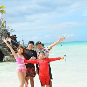 Fun family day at the beach!🌊 #FamilyFirst #Clozette
