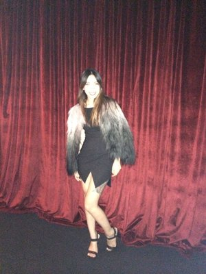 Flash overkill but loving my outfit heaps! Pppartyin it up in my ombré fur coat!