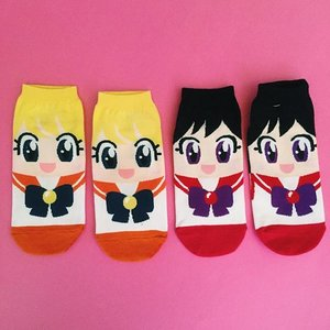 Jack surprised me with these undeniably  cute Sailor Venus & Sailor Mars bootleg socks ! #Sailormoon And .....That tiny white thread is making my eye twitch! 😶 #OCD 💓#美少女戦士セーラームーン #セーラー戦士  #魔法少女  #sailormoon #sailormooncollection #sailormooncollectibles #sailormoon20thanniversary #sailormooncrystal #sailormoonfans #bishoujosenshisailormoon #sailormooncollector #clozette #magicalgirl