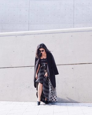 Let me fix my outfit first. 😎 the day I was with @mutzine to see @tibaeg 💕 #SeoulFashionWeek