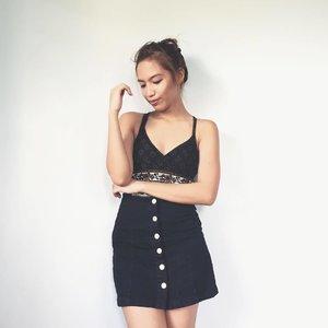 button skirt 🙌🏻 #clozette #bloggersph #pilipinasootd