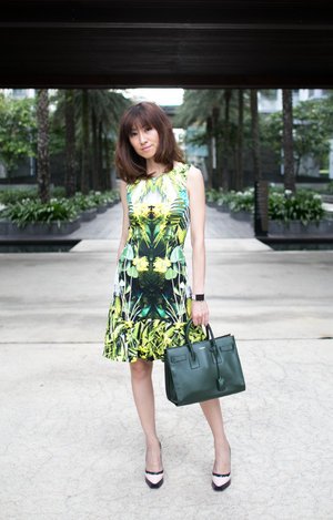 Blogged - Going Green // Dress - Karen Millen //