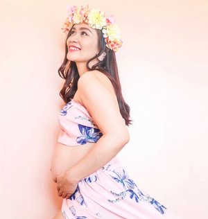 My body goes through many changes as pregnancy has its way with me. But the biggest change will be my slow and beautiful transformation from being a woman to being a mother.  I appreciate my nanay even more! HAPPY MOTHER'S to all the super mom out there. God bless your kindest heart. ♥️ 📸 by: @ohcaeganda  #clozette #pregnant #pregnantbelly #bloggermom #firsttimemom #mothersdayph #momsday #motherhood #styleblogger #happypregnant #mimimavs #summervibe 🌸