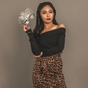 unbothered queen 💋 HAPPY 2K FAM!! Sending y'all my love! To more fashion, styling & kikay ganaps to come! xoxo, Jess✨ . . @zaloraph @zalora #mmazmcycle4 #clozette