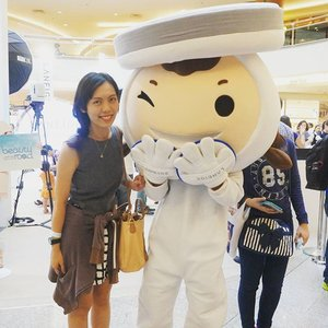With this cute mascot of #laneige BB cushion in the Laneige Beauty road tour today, thank you Butterfly Malaysia making my dreams as beauty blogger come true.  Also, thanks to Laneige team for the latest korean make up tips and trends. BB cushion really make my skin looking dewy than usual!  Tomorrow is the last day of the beauty road show in #midvalley , come and try their  one of a kind bb cushion!  #laneigemy #butterflymsia #Malaysianblogger #clozette