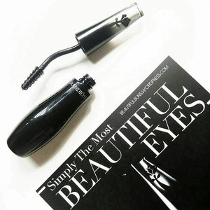 Wanna know if you should spend SGD$60 on the new Lancome Grandiose Mascara? Check out my review to see if it really does lengthen, curl, and voluminise as promised :D http://beautifulbuns.wordpress.com/2014/09/26/review-lancome-grandiose-mascara/