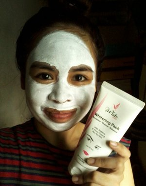Because it's pampering day! Me wearing iWhite Korea Whitening Pack #iWhiteKorea #WhiteningPack #Beauty #SkinCare #Selfie