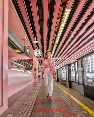🌸This is the prettiest MRT station in Singapore because it's all pink! (Click location tag for the place)  Getting the #wesandersonstyle vibes with my #pomelofashion pink top (they have just restock) and my favourite #pradacandy pink headband. 🌸 We tried so many takes with the shot because we need to wait for the crowd to clear. The interval for each train is around 3mins and when a train arrives, we need to stop. Patience is the key here and be mindful that this is a public transport area so we cannot disturb the commuters else I think the station control master will approach us to give us warning. 📷 @chervonkhoo