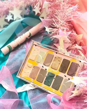 For those who like #crueltyfree #makeup, this new @thebodyshopsg #eyeshadow #palette is vegan (which in this case, the brand means that the formula doesn't contain any animal-derived ingredients)! And even if that's not a selling point for you, you gotta admit that these #eyeshadows are gorgeous! The shades are very nicely curated and shimmer level is good without being OTT. The #mascara shown here, Happy Go Lash, is not vegan (because it contains beeswax which is necessary for the texture of the mascara). Now available at all #thebodyshop stores! . . . #thebodyshop #thebodyshopsg #clozette #beauty #crueltyfreebeauty #crueltyfreemakeup #crueltyfreecosmetics #veganmakeup #veganbeauty #vegancosmetics #eyeshadowpalettes #eyeshadowpalette #palettes #eyeshadowlover #tbssg #makeupcommunity #makeupaddiction #makeupaddicts #makeupjunkie #thebodyshopmakeup