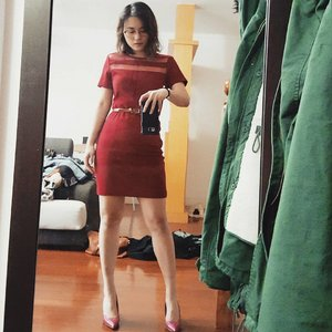 When you finally.fit into that tiny weeny dress, you immortalise that very moment forever.😋😋😋 #random #selfie #fashionista #ootd #red #clozette