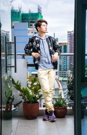 Dahil malapit na ang colder months here is a another #STYLEBYBOGZ_TV for you all showing different pieces from one of my favorite #OOTD last August. • • Jacket @zara Hoodie shit from 101 New York  Pants from @uniqlophofficial  Shoes from @adidas @adidasph • • • Cover photo taken by @eyecandy_photo_ph • • • #MenFashionPH #OOTDPinas  #ManilaFashion #StylePH  #FilipinoVlogger  #IGPinoy  #BloggerPhilippines #VloggerPhilippines #VloggerPH  #OOTDPilipinas #IGersManila #Stylingideasvideo #whattowear #howtowear #getreadyvideo #MenStylePH #OOTD #BloggerPH #Clozette #StyleDiary #IGStyleBlogger