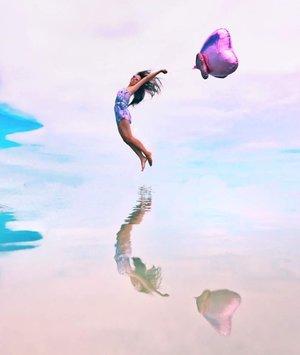 Recharged weekend ☺️ . . . . #sasaran #skymirror #naturalreflection #skymirrorsasaran #cuticutimalaysia #recharged #jumpshot #roadtrip #allitravel #travelgram #travelstoke #travelphotography #travel3sixty #travelasia #beautifuldestinations #wanderlust #hiddengem #iphonegram #clozette #vscocam #vscotravel