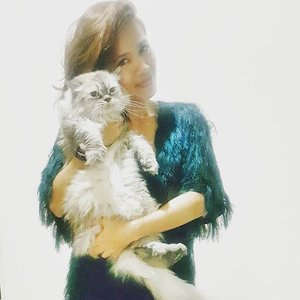 My style inspiration. Our fur needs combing.#ootd #clozette 😻😹