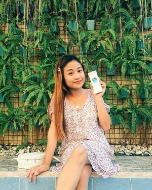 #NoStickySituations with the new @VaselinePH Healthy White Fresh & Fair Lotion ✨ Since I'm an April babies + Beachtrips are my faves, I always need to keep my skin fair, fresh and protection under the sun. That is why the Vaseline Healthy White Fresh & Fair Cooling UV Gel Lotion is my perfect partner this Summer. It comes in a light, non-greasy gel formulation that contains 10x Vitamin B3, SPF, and cooling menthol to restore skin fairness, to protect the skin from sun's UV damage, and to provide a fresh feel throughout the day under hot and humid climates. It's also infused with micro-droplets of Vaseline Petroleum Jelly, the holy grail of skin healing, to provide moisture to the skin and to help repair the damage deep within. My first experience with this product is greatly unbelievable because before I go to swim, I immediately apply this one and viola! I totally love the cooling menthol effect 💖To be honest, this will be one of the new holygrail products I definitely recommend to my friends and family in their must have this Summer! #VaselinePH #SampleRoomPH
