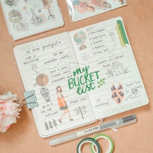 #lavinotebooks @shoplavendaire ❀ week 1 of @lavendaire Journaling Series is How to Start Journaling: 5 Ideas for Beginners ⠀⠀⠀⠀⠀⠀⠀⠀⠀ One of the Journaling Ideas for Beginners is making a bucket list and so here's mine!  I had so much fun doing this and I like that it made me remember all these amazing things I hope to do someday. 📝 ⠀⠀⠀⠀⠀⠀⠀⠀⠀ What's in your bucket list?