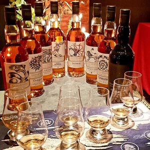 Game of Thrones limited collection of 8 single malt scotch whiskey released by DIAGEO based on HBO