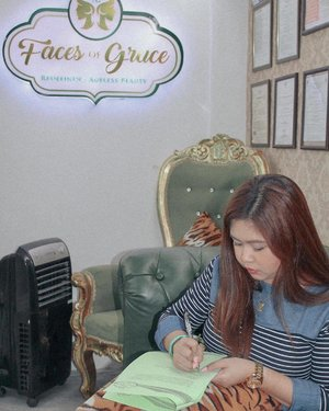 Contract signing for my new endorsement! Thank you Lord 🙏🏻💕 — #JMZsponsors #Sponsored #FacesOfGracePh