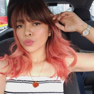 Back to pink hair after 5 years! 💕  My pink hair transformation vlog by Katch Beauty Lounge is now on my Youtube Channel (link on bio)! So happy to share this because we used Evo Fab Pro, a vegan, cruelty-free hair color treatment that also helps you maintain the vibrancy of your hair color! 👌🏻 __  GIVEAWAY!!! 🥰 Prize: Choose your own Evo Hair Color! (Must be willing to visit Katch Beauty Lounge as they can custom the hair color for you)  Mechanics: 1. Follow me @genzelaces , @katchbeautylounge , and @evohair.ph  2. Like this photo and comment below why you want to win and what hair color you like! 3. Tag a friend who loves coloring their hair too! 💁🏻♀️💁🏻♀️ __ *Deadline of entries on June 30, 2019 *Winners will be tagged in this post *You can tag up to 3 friends per day (only real accounts are valid) *Open to PH residents only *Bonus points for those who will repost and tag us.  Good luck and have a colorful ahead! 😘  PS. I'm wearing @skinpotions A whole new matte liquid lipstick in Spirited 💕