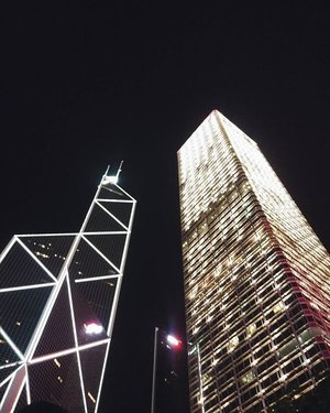 Always loved seeing beautiful structures in cities, but nothing like these buildings in Central, Hong Kong. They are breath taking. 💖💖💖 #clozette
