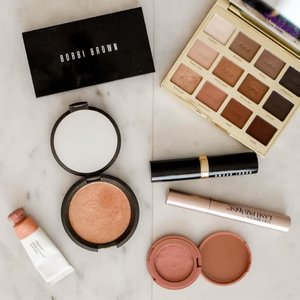 Buying used makeup — is it gross or practical? And would you consider doing it? At #ClozetteINSIDER (link in bio), we discussed this practise that's gaining popularity in the beauty community. #Clozette