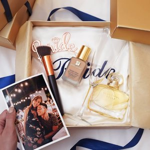 Getting hitched soon? Discover how to embark on a memorably flawless bachelorette party with your best gals and Esteé Lauder's Double Wear Stay-in-Place Foundation. Tap the link in our bio to know more (http://bit.ly/EsteeLauderBacheloretteWeekend). #Clozette #EsteeLauderSG #DoubleWearOrNothing