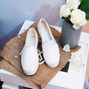 Gone are the days when brides were restricted to wearing white gowns and stiletto heels. Tap the link in our bio to explore unconventional bridal footwear that are just as elegant as traditional ones. #Clozette