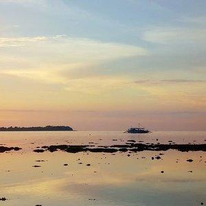 Don't you dare let our best memories bring you sorrow#philippines #leyte #rainbowsky #pastelsky #pastel #sunset #dusk #twilight #travel #vacation #clozette #instatravel #travelgram #muchneeded #break #nowork #tour #tourist #holiday #laborday #photooftheday #sonyxperia #itsmorefuninthephilippines #unwind #relax #travelph #getaway #summer #summerbreak #summergetaway