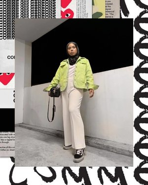 Breaking my over saturated and high contrast feed just because I felt like it. I think it's time to get creative 🙌🏼 Also this melon/neon ish jacket is not comme des garcons HAHA. It's only rm5!!!!! Thrifted of course but I love it. I also got a matching pants for it and will save it for future ootds 🤓
