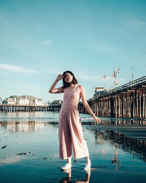 Yesterday's day trip to Santa Barbara was one of the best decisions we made — we even got to see mussels & starfishes on the beach waters! 🌊  Also wearing Mirra Basic Button Jumpsuit &  @thestagewalk will be having their #TSWarehouseSale at Bishan Junction 8 Atrium from 21 to 27 Jan, 10.30am to 10pm! It's their biggest sale of the year, so take this chance to snag your fave pieces at discounted prices x #thestagewalk #clozette