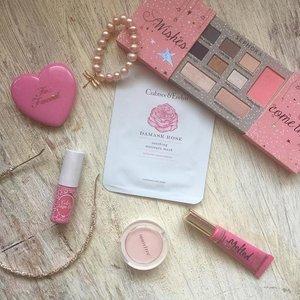 Happy pink Sunday!! 💗🎀 I like the rose mask by Crabtree, gift from @mieeemieeee #flatlayoftheday #sephoramy #etudehouse #toofacedcosmetics #beautyblogger #beautyreviews #beautyobsessed #toofaced #makeupheaven #makeuplover #makeupmess #innisfree #pearls #toofacedmeltedlipstick #clozette #beauty #makeupjunkies #makeupobsessed #crabtreeandevelyn #rosemask