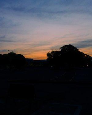 🌞 .. . .. . . . . . . . . . . . #clozette #tumblr #sun #sunset #sunrise #aesthetics #morning #love #art #photography #goals #happy #orange #sky #pink #blue. #hi