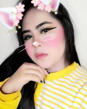 🐰 . . . . . . . . . . . . . . . . . . . . . .... .. . . . . . . . . #clozette #aesthetics #aesthetic #tumblr #ulzzang #korean #bunny #wingedliner #brows #floral #flowers #pink #valentines #yellow #green  #matte #21 #fashuon21 #fashion #girodano  #makeup #harajuku #nails #mood #okiee #bye