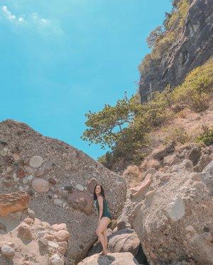 Happiness is being barefoot on the beach. 🌊🏝☀️ #clozette #PatrishWears #PatrishTravels #caponesisland