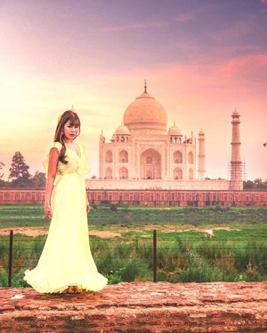 Discover India 🇮🇳 l  The Taj Mahal from secret spot, Mehtab Garden  A quiet and unobscure view of the Taj Mahal at the Mehtab Garden also known as the moonlight garden which is just across the Yamuna river.  Unable to get a perfect picture with the Taj Mahal without having tons of people photobomb your picture? Don't worry I have 4 secret spots for you that will definitely make your friends envy with your photos of the Taj Mahal. Refer my ig profile for the blog link to the secret spots.   📸Singapore Photographer @wilsonisalmostsexy ======================================= New Blog Posts for those planning to visit the Taj Mahal : 1. Your must know when planning to visit the Taj Mahal 2. The 3 best hotels to stay when visiting the Taj Mahal 3. Hotel Review : My stay with the Taj Hotel and. Convention Centre, Agra 4. Four Amazing Secret Viewpoint/Photo Spot of the Taj Mahal    