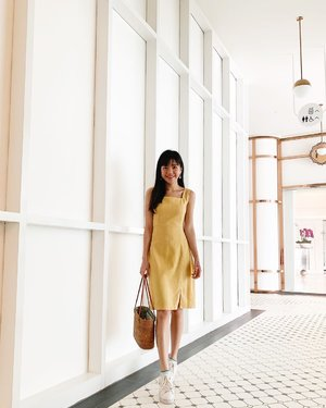 Decked in this yellow linen number for a day of fun 💛 wearing @ipda.sg ✨ //