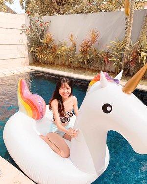 Pool life with ma #unicorn lady 🦄 // Full swim set from @cottonon_asia 👙#MyCottonOn