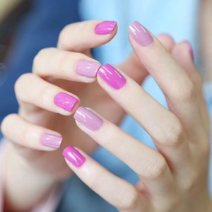 Pale and neon pink alternate