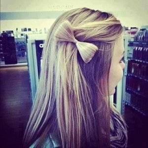 Side hair bow