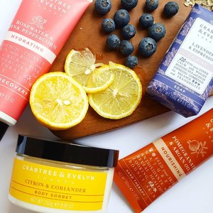 I'm so lazy when it comes to bodycare, but when the products smell so good and and are so nourishing, I can't help but slather them on!  #fromthebeautydesk #cesuperfood  #crabtreeevelynsg