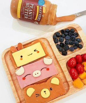 🌥 One look and @thisisleonidasgan was sold! 🐰🐷🐻 Mummy ~ If you make me choose only one way to eat bread the rest of my life, it would probably be this! So cute and so peanutty!😍 LOL 😂 when it comes to peanut butter, we only have eyes for @mayversfood, their peanut butter is made from nothing but peanuts and a pinch  of salt . .  #mayvers #morningmotivation