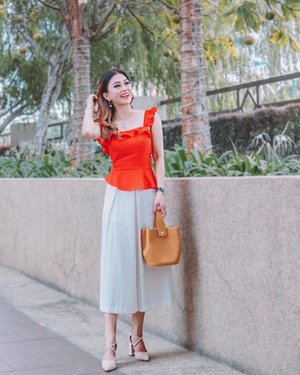 Hey Chor 3! Ready to go kai kai with friends but the sun is blazing hot. By the way, who is back to work today? 🍊🍊🍊 . . Red Ruffles Top @mdsmalaysia  White Culottes @mango  Darla Mustard Bucket Bag @christyngshoes  Pippa Vegan Leather Heels @mestrae . . #cnyootd #cny2019 #mdsmalaysia #mango #christyngshoes #mestrae #instastyle #clozette #kellyootd