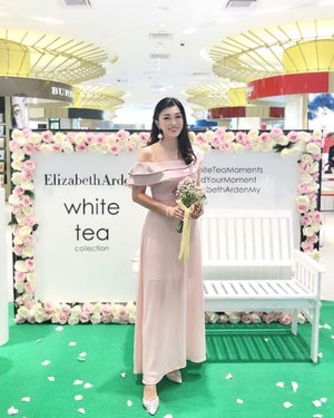 White tea moments! 💐 . A tea session with @elizabetharden to celebrate the pleasure of a life finely crafted. And discover the new addition of their White Tea Collection fragrance ~ the White Tea Wild Rose and White Tea Vanilla Orchid edt. ❤️❤️❤️ . White Tea Wild Rose ~ floral notes of the signature White Tea and anchored with the noble rose essences from both Bulgaria and Turkey to create an unforgettable floral signature. ✨✨✨ . White Tea Vanilla Orchid ~ a warm indulgence of soothing tea, sensual vanilla orchid and woody musks that blend together for a smooth and serene escape. ✨✨✨ . Wearing @retro_80s blush pink dress 💗💗💗 . . #WhiteTeaMoments #FindYourMoment #ElizabethArdenMY #ElizabethArden #Retro80s #clozette #kellyootd #wiw #kellybeauty