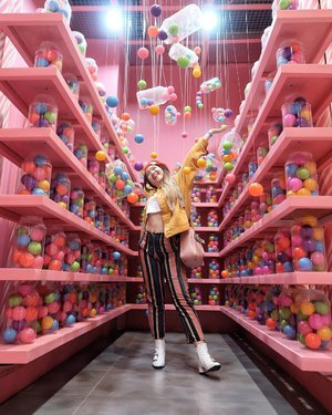 finally found a place as sweet as me~ 🍭 #StephInStyle