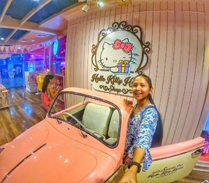 💙Are you a fan of Hello Kitty? I visited the Hello Kitty Cafe in Bangkok and the place is huge! So many yummy foods and instagrammable spots to take ur photos! . . ❌SLIDE LEFT to see the next photos/videos: I was lucky to be invited to attend the @visitpetersburg roadshow 2018 in @dusitthanidubai Ive learned a lot about about St Petersburg and all the beautiful places u can visit! Can't wait to come and visit in 2019! 😇 . . 📌You can watch all my Bangkok Thailand Travel Vlogs on my youtube channel Link on my Bio click here 👉🏽 @tauyanm or search > jane fashion travels < on youtube . . 📍Bangkok Thailand 📌Also, New Blog and Video is up guys! Click the Link on my Bio here: @tauyanm 📌Don't forget to watch my instagram Highlights too! 😉 . . 💞will LIKE/FOLLOW back guys💞 no follow/unfollow game pls. #dametraveler #girlsvsglobe #thetravelwomen #girlsjustwannatravel #girlsborntotravel #ladiesgoneglobal #sheisnotlost #shetravels #travelgirldiary #femmetravel #darlingescapes #wearetravelgirls #girlslovetravel #goprohero6 #girlsthatwander #goprogirls #passionpassport #clozette #hellokitty #bangkokthailand #discoverunder10k #janefashiontravels #wearetravelgirls #girlswhotravel #womentravel #girlswhowander #dubaibloggers #whenwithfilipinos #igersdubai #travelcommunity