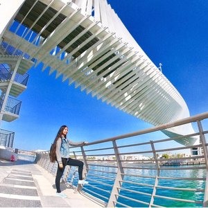 """Incase you're wondering why am I wearing a denim jacket in this photo 😅 I took this photo during winter time in Dubai around January/February. That was my First time to walk around @dubaiwatercanal ❤️This Particular Bridge is The third of three pedestrian bridges – the Jumeirah 2 Bridge – is a unique bridge supported by a twisting truss. ❤️The bridge is representative of the future and the dynamic vision of Dubai as intrinsically tied to the notion of """"tomorrow."""" ❤️the bridge is composed of a twisting section measuring 20 x 20 feet and 460' long (ae7.com) ⠀⠀⠀⠀⠀⠀⠀⠀⠀⠀⠀⠀ 📍Dubai Water Canal, UAE 📌Also, New Blog and Video is up guys! ❤️Click the Link on my Bio here: @tauyanm ⠀⠀⠀⠀⠀⠀⠀⠀⠀⠀⠀⠀ 📌Don't forget to watch my instagram Highlights too! 😉 ⠀⠀⠀⠀⠀⠀⠀⠀⠀⠀⠀⠀ 📌You can watch all my Videos - Travel Vlogs on my youtube channel Link on my Bio click here 👉🏽 @tauyanm or search > jane fashion travels < on youtube ⠀⠀⠀⠀⠀⠀⠀⠀⠀⠀⠀⠀ 💞will return all the LIKEs/COMMENTs💞 #girlsvsglobe #thetravelwomen #girlsjustwannatravel #dubaiphoto #girlsborntotravel #ladiesgoneglobal #sheisnotlost #shetravels #travelgirldiary #femmetravel #darlingescapes #wearetravelgirls #girlslovetravel #filipinoblogger #girlsthatwander #womentravel #passionpassport #dubaiinstagram #discoverunder15k #janefashiontravels #wearetravelgirls #girlswhotravel #dubaiwatercanal #dubaibloggers #igersdubai #dubaifoodbloggers #clozette #lovindubai #letsguide"""