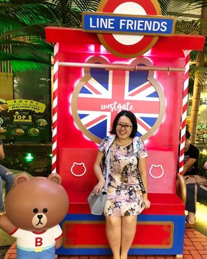 Just me with my favourite brown 🐻 . . #25thNov19 #linefriends #linebrown #brownbear #chewyjas #Westgate #casualstyle #linesg #igsg #sgig #ootd #chewyjasootd #clozette