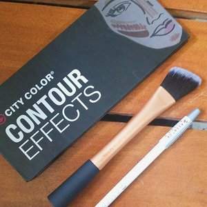 Now on the blog: City Lights Contour Effect Review and Swatches #flatlays #clozetteco #clozette