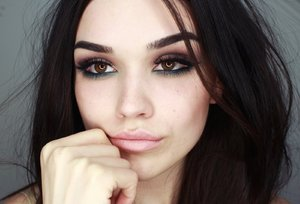 Seductive and Smokey eye makeup tutorial - YouTube