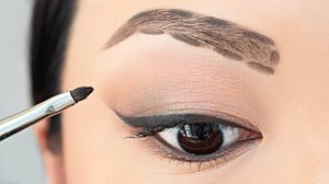 HOW TO: Fill In Your Eyebrows For Beginners | chiutips - YouTube